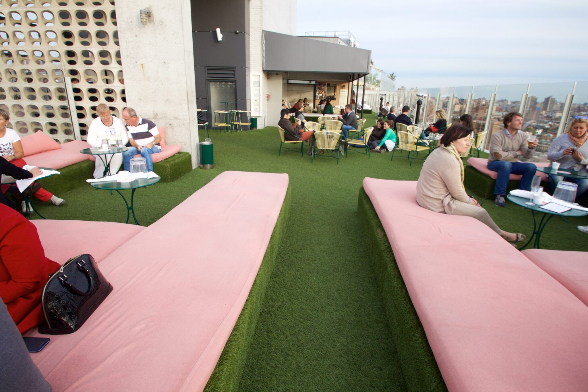 artificial rooftop grass, commercial use