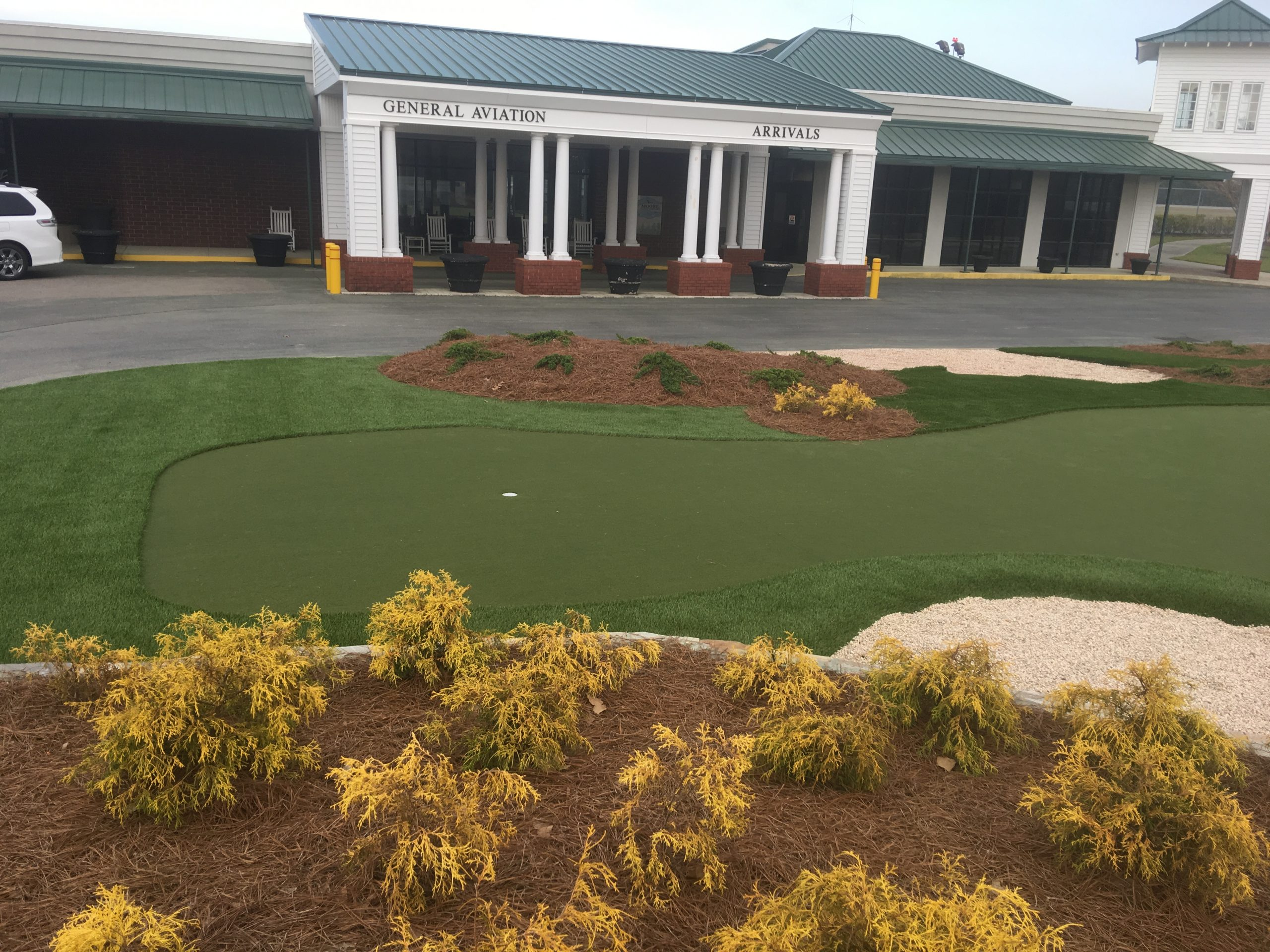 commercial use putting green