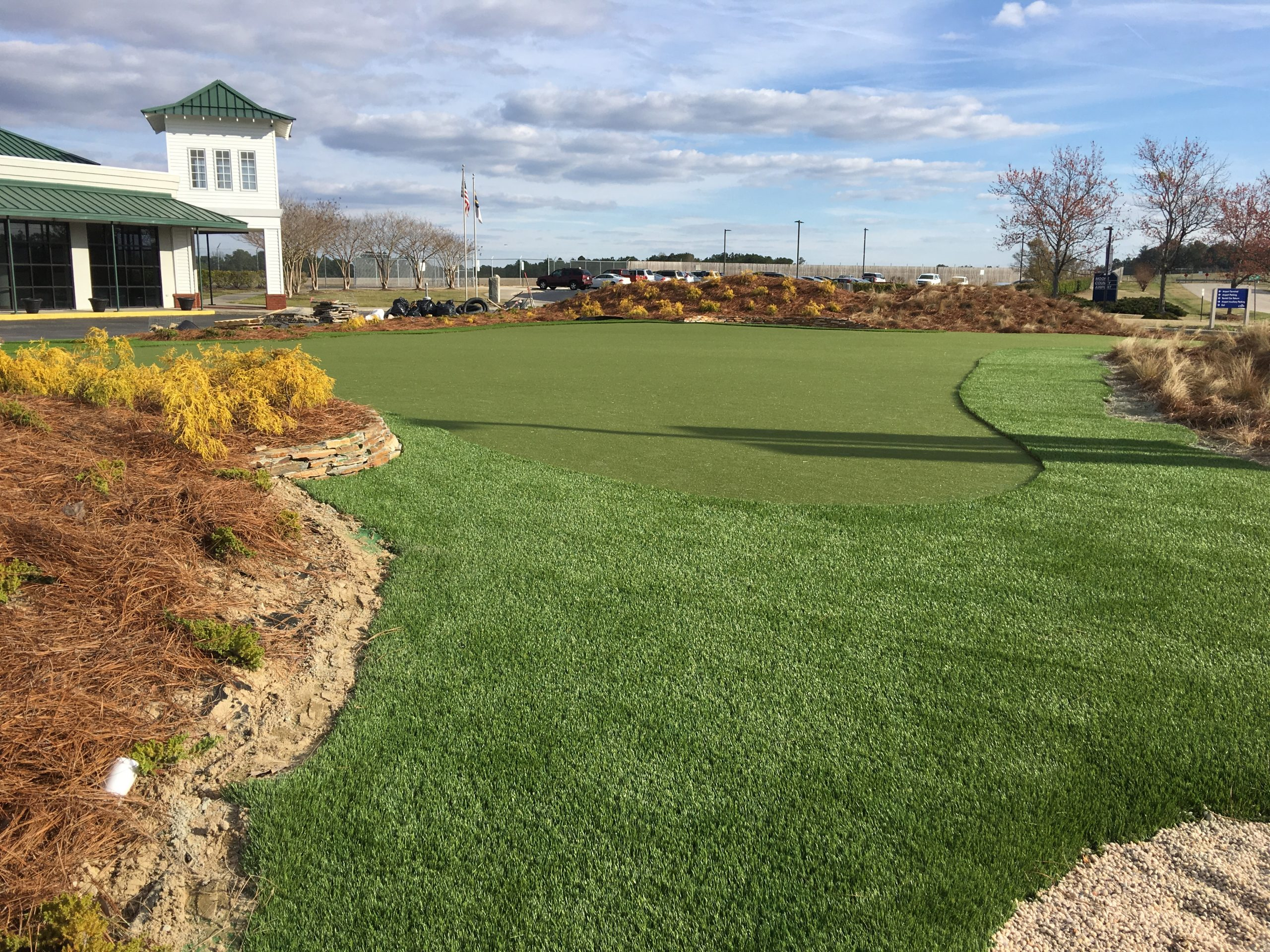 putting green for commercial use