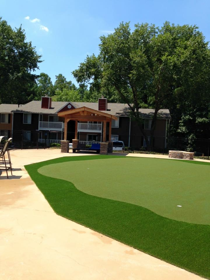 residential putting green near me