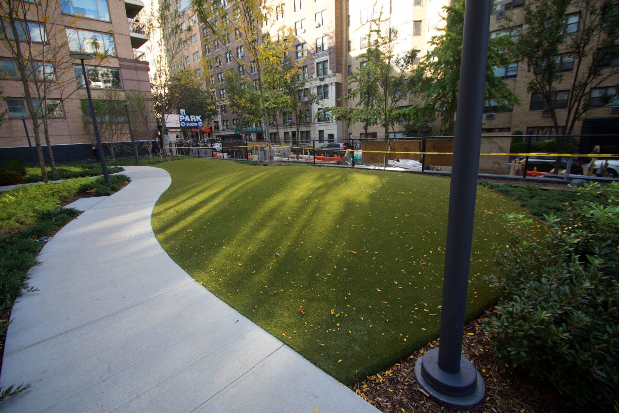 artificial grass, commercial park