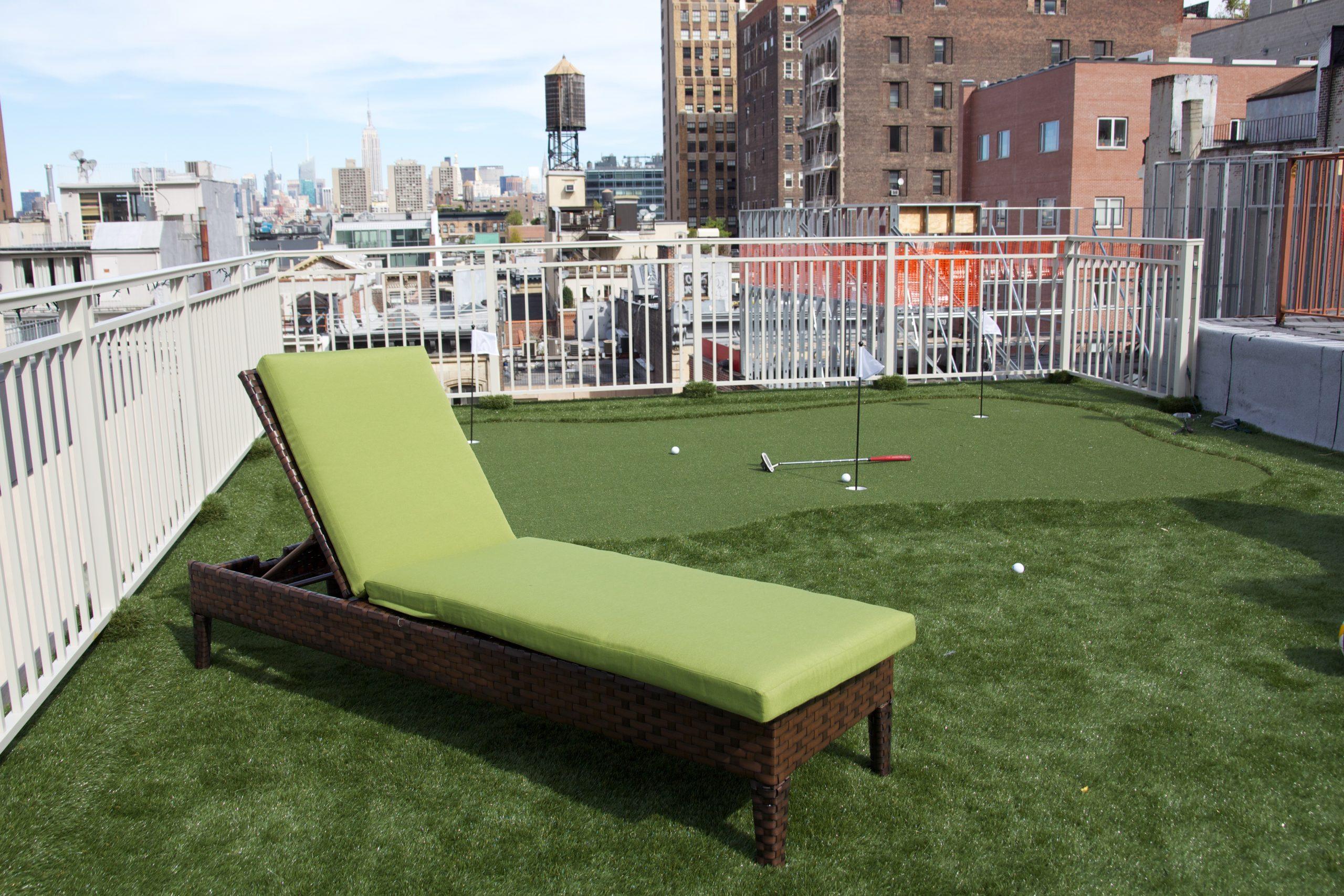 putting green, artificial grass