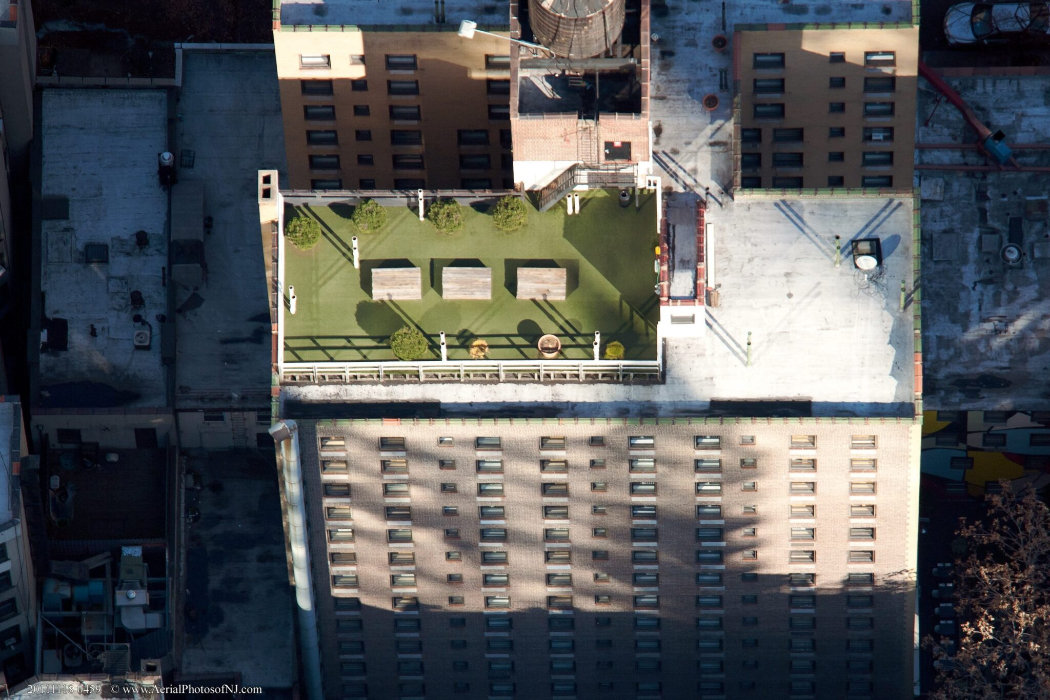 commercial use artificial grass on rooftop